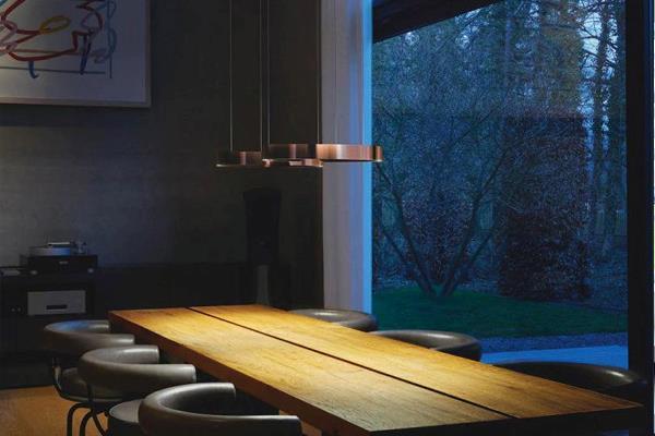 Occhio Mito lamper over spisebord