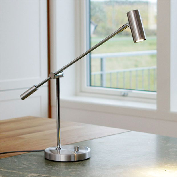 Cato lampe fra Belid til skrivebord